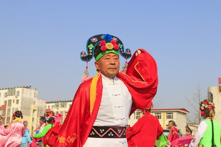 volkswagen: Luannan County- February 21: Chinese traditional style yangko folk dance performance in the street, on February 21, 2016, luannan County, hebei Province, China Editorial