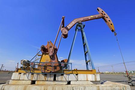 Crank balanced beam pumping unit in the oil field