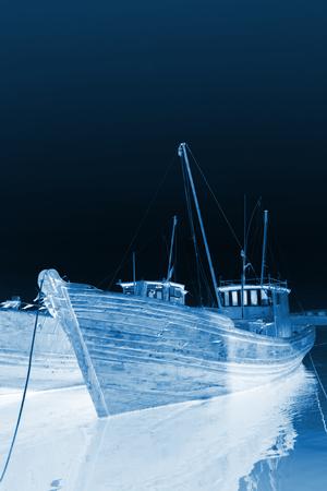 berth boat in the port, closeup of photo Редакционное