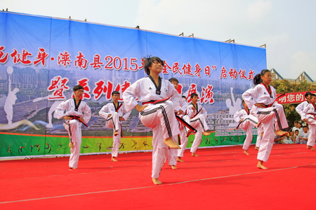 hebei: Luannan County - August 7: Kick cardiac operation performance on the stage, on August 7, 2015, luannan county, hebei province, China Editorial