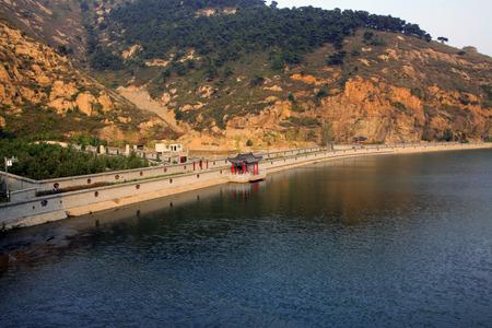 baffle: Great Wall scenic area reservoir