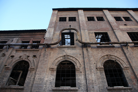 dilapidated wall: Abandoned factory buildings
