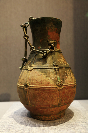 Chinese ancient ceramic arts and crafts