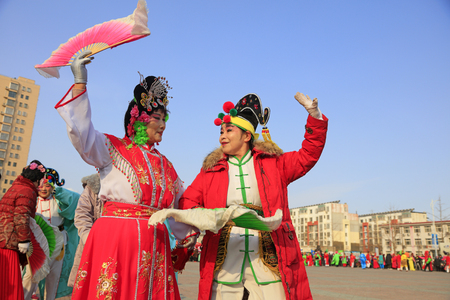 Luannan County - February 24, 2018: Yangge Dance Performance on the square, Luannan County, Hebei Province, China. 写真素材 - 118179884