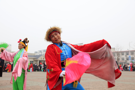 Luannan County - March 3, 2018: Yangge Dance Performance on the square, Luannan County, Hebei Province, China. 写真素材 - 119172086