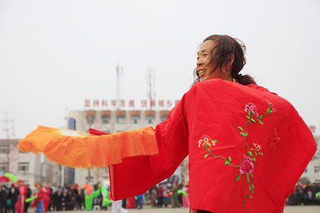 Luannan County - February 27, 2018: Yangge Dance Performance on the square, Luannan County, Hebei Province, China. 写真素材 - 119172105