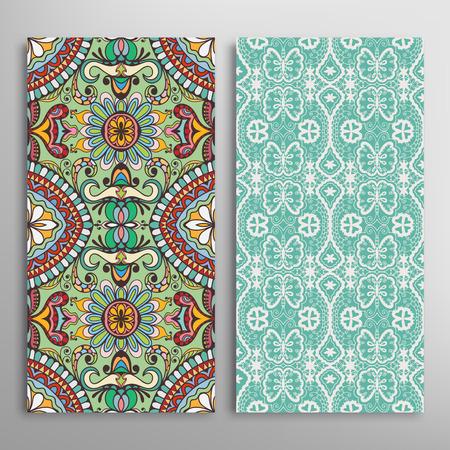 Kaart of uitnodiging met hand getrokken textuur. Decoratieve ornament naadloze patronen set Arabisch Indische achtergrond