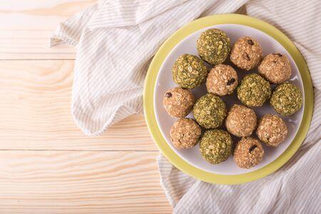 Homemade healthy raw energy sweet balls - vegetarian desserts Banco de Imagens