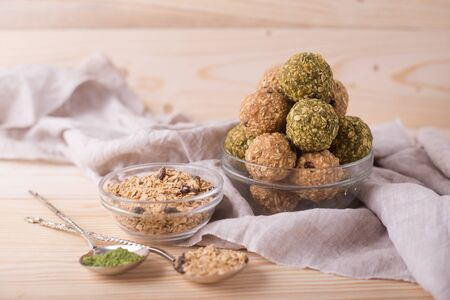 Healthy Oatmeal Snacks Energy Balls with Oats Almond Butter and Honey