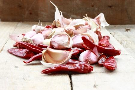 garlics: Chilli pepper   garlics