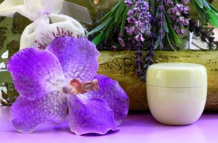relaxant: Orchid and box