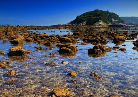 spring tide: Donostia in low tide