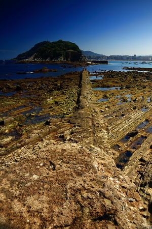 spring tide: Low tide-Donostia