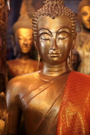golden buddha-laos