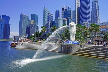 シンガポールのマーライオンの街並 報道画像