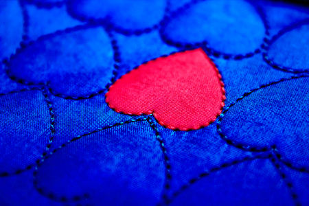Not like everyone Red hotter heart of among blue cold hearts Love and indifference, dislike Unrequited love