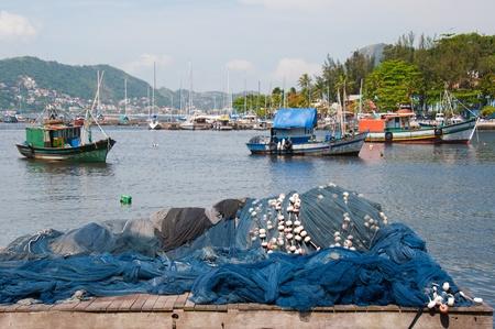 낚시 보트. 리우 데 자네이루, Brazil.The 낚시 산업은 리오 관광에 번성.