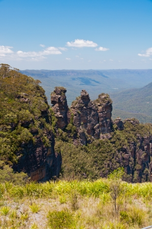 Vue de la c�l�bre Three Sisters formation rocheuse, Blue Mountains, Australie Banque d'images