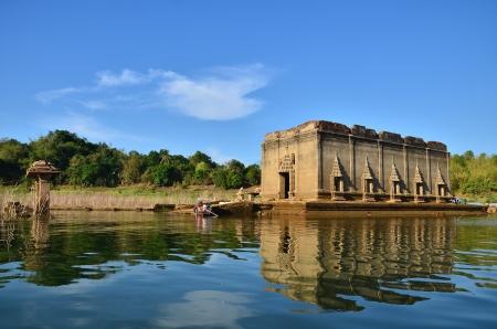 wang: El submarino iglesia budista de Wat Wang Wiwekaram