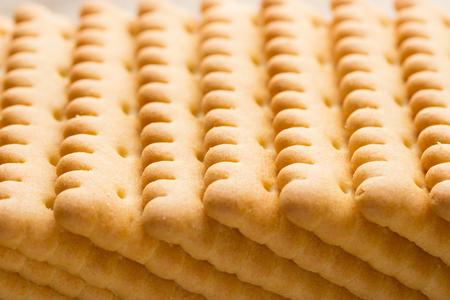arandanos rojos: sweet dry yellow cookies on wooden background