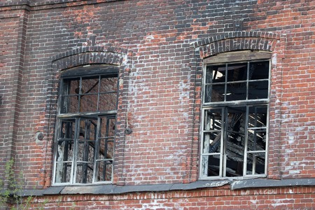 builing after a fire. burned windows and roof 版權商用圖片
