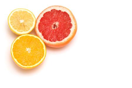 adn: pomelo, lim�n y naranja aislados en blanco