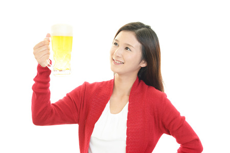 heartbreak issues: Women who drinks  beer