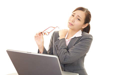 stiff: The female office worker who has a stiff shoulder