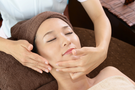 facial: The woman who takes care of her face