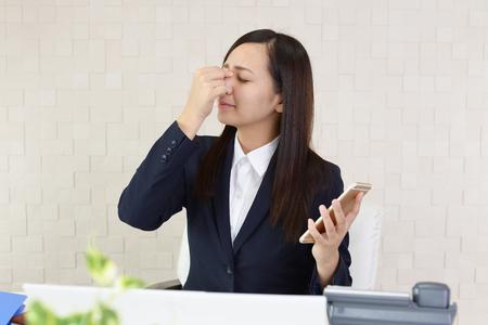 眼精疲労と女性