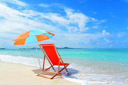strandstoel: Mooi strand in Okinawa Stockfoto