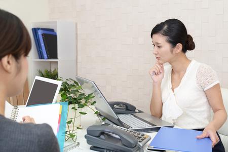 アジア ビジネスの女性と仕事