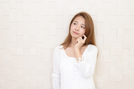 Woman who is worried 스톡 콘텐츠