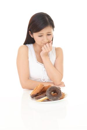 gaining: Woman on diet