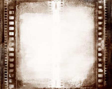 Roll film: La computadora dise�� el marco textured grunge altamente detallado de la pel�cula con el espacio para su texto o imagen