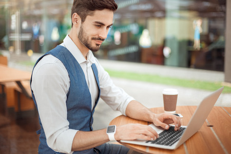 Young business man outdoors work occupation lifestyle Banque d'images