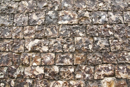 flint: This is said to be the finest flint knapped wall in England, dating from the XIV century.