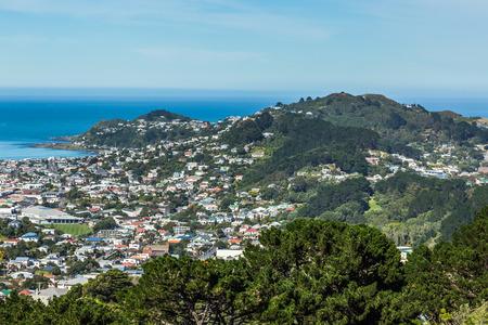 ウェリントン、ニュージーランド、2017 年 3 月 16 日: ビューのマウント アルバート、ウェリントン ビクトリア山から撮影します。 報道画像