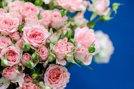 wedding decoration pink roses bouquet