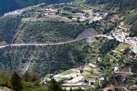 pastoral scenery: shangri la Yunnan hill view