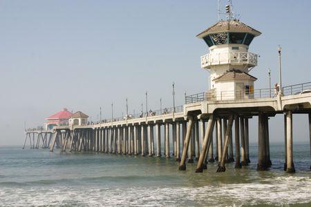 朝はハンティントンビーチ埠頭 写真素材