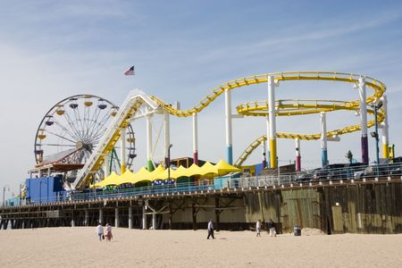 Another View of the Santa Monica Ferris Wheel and Train Rides from the beach Stock Photo - 1261666