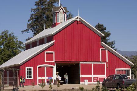 美しい赤い納屋