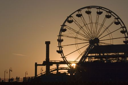 pier: Pretty sunset view of the Santa Monica ferris wheel