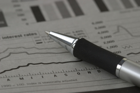 economia: la pluma y cartas de existencias