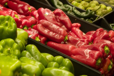 bell peppers: Bell peppers for sale at the produce market Stock Photo