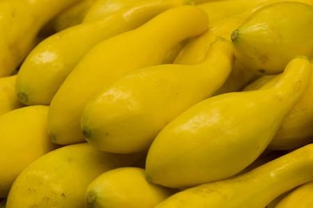 sunday market: calabac�n amarillo fresco en el mercado local Domingo