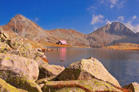 hovel: A cabin in national park Pirin, Bulgaria