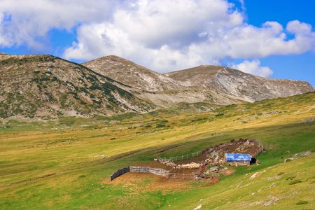 hovel: Sheepfold up in the mountains in Macedonia