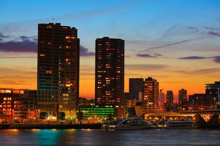 rotterdam: Rotterdam skyline at sunset
